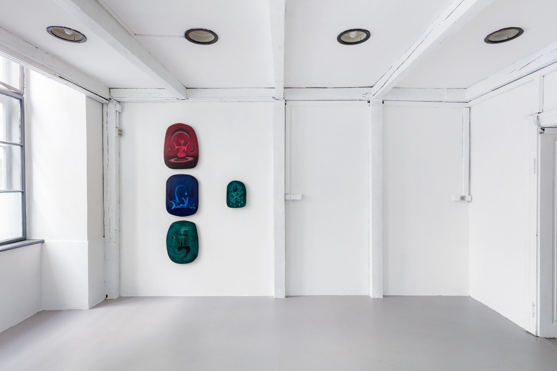 Installation View, Marianne Vlaschits, Hypnotic Spell at Suzie Shride. Photos by Manuel Carreon Lopez.